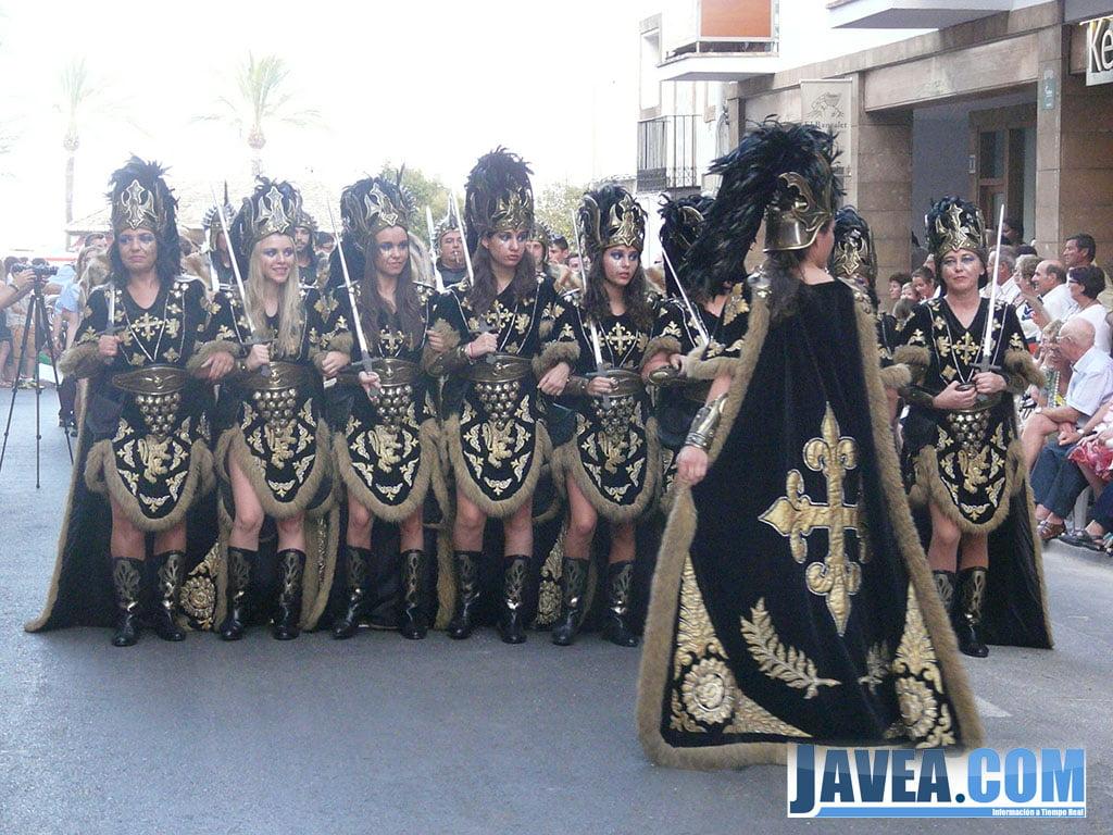 Moros y cristianos j vea 2013 desfile gala domingo 21 for Saneamientos gala