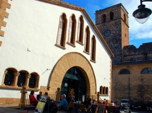 El Ayuntamiento de Jávea vuelve a sacar a licitación las dos paradas libres del Mercat Municipal