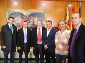 La Obra Social La Caixa dona 5.000 euros al departamento de servicios sociales