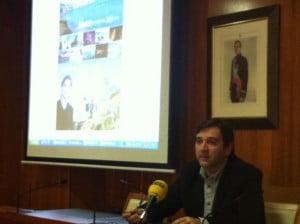 Antonio Miragall edil de turismo presentando la campaña de 2014