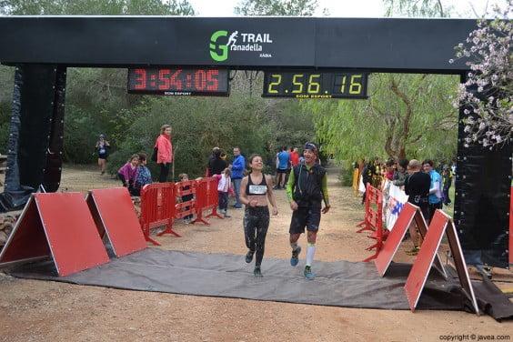 Llegada a meta de la carrera de montaña Granadella Trail