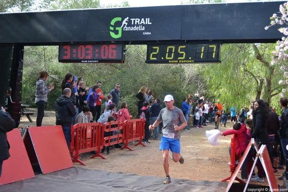 Los corredores iban llegando a la meta