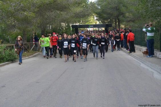 Salida de los caminantes en la Granadella Trail 2014 Jávea