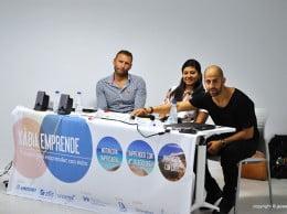 Lucas Gisbert, Sugata Jain e Isra García durante la mesa redonda