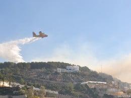 Hidroavion en el incendio del Montgó