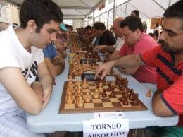 Luis Mª Campos durante una partida del Torneo Absoluto Villa de Xàbia