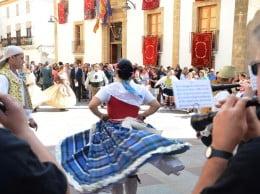 El Grup de Danses del Portitxol en una imagen de archivo durante la celebración del 9 d'Octubre