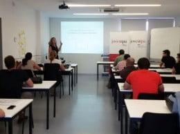 JOVEMPA ha realizado este mismo curso -y con gran éxito- a lo largo de la provincia de Alicante. En la imagen, durante su puesta en marcha en Elche.