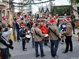 Los Xirimitabs cantaron villancicos por todo Aduanas