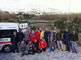 Voluntarios que participaron en la recolecta de naranjas