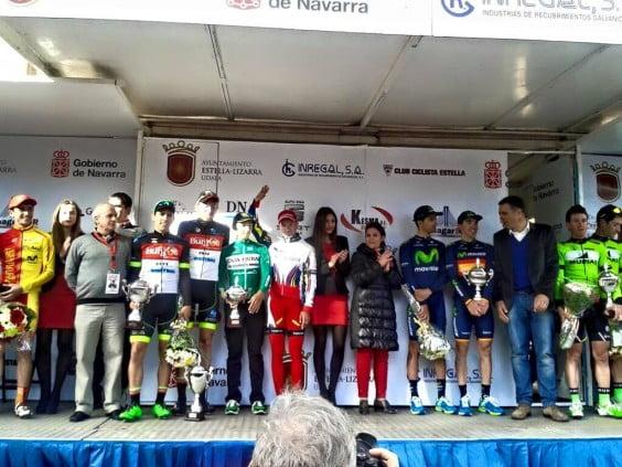 Antonio Molina con el maillot verde del Caja Rural