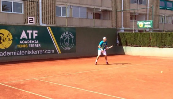David Ferrer entrenando en el Club Tenis Jávea