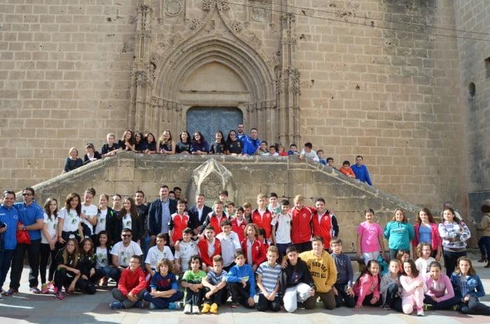 Grupo de deportista que acompañaron a la antorcha hasta el ayuntamiento de Jávea