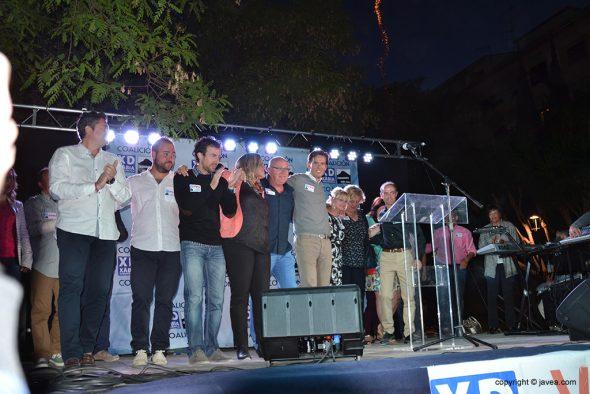 Óscar Antón con los miembros de su candidatura