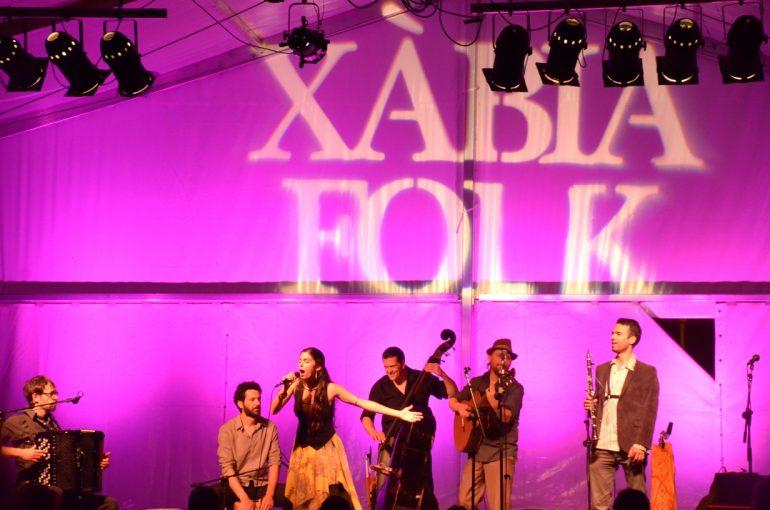 Actuación del Barcelona Gipsy Klezmer Orchestra