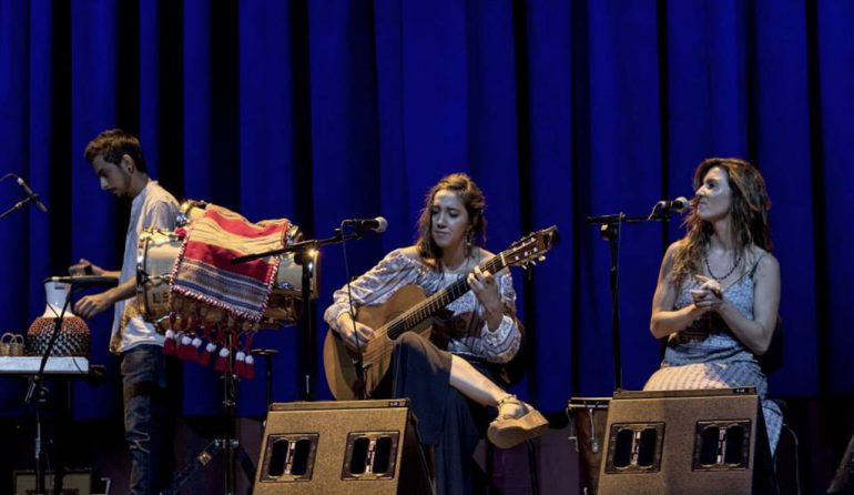 El grupo Xalup durante una actuación