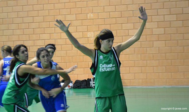 Miriam anotó 20 puntos ante el CB. Elche