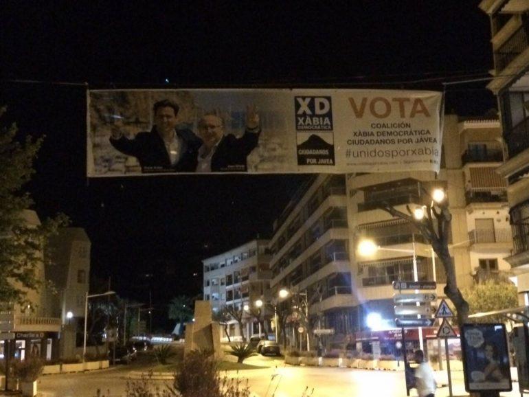 Pancarta Coalición Unidos por Xàbia