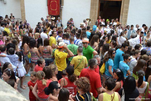 Pregon Fogueres Xàbia 2015 - peñas en la plaza