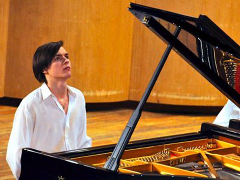El pianista Aleksander Zinin