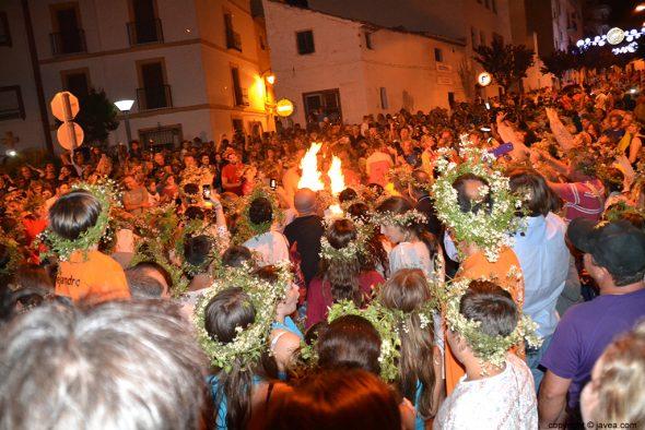 El fuego en medio del público