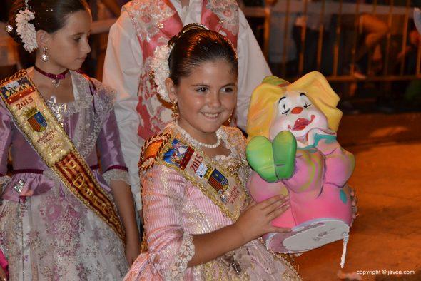 La Reina Infantil con el ninot indultat