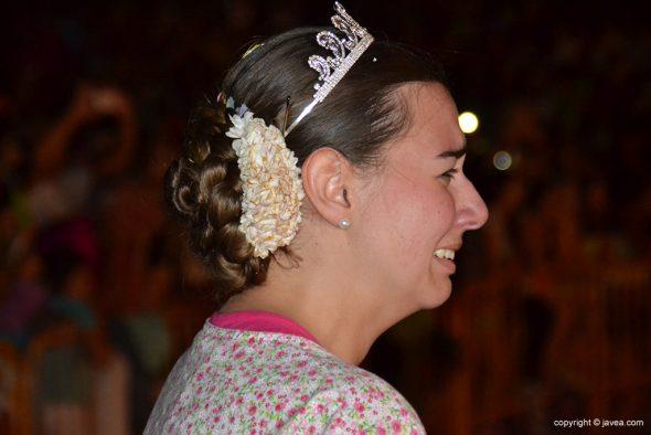 La reina llora desconsoladamente