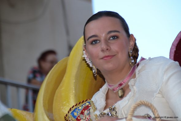 Lucía Catalá en su carroza
