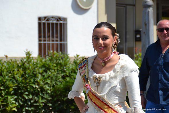 Lucía Catalá reina de fogueres en el desfile