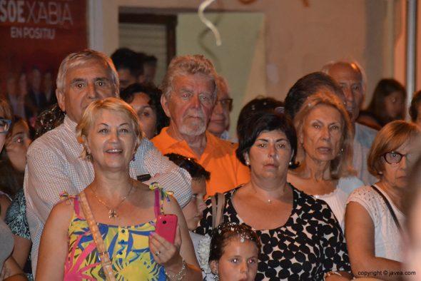 Público presente en la Plaza del Convento