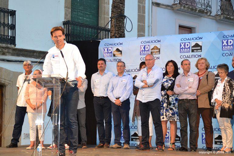 Óscar Antón en el mitin de la Placeta del Convent