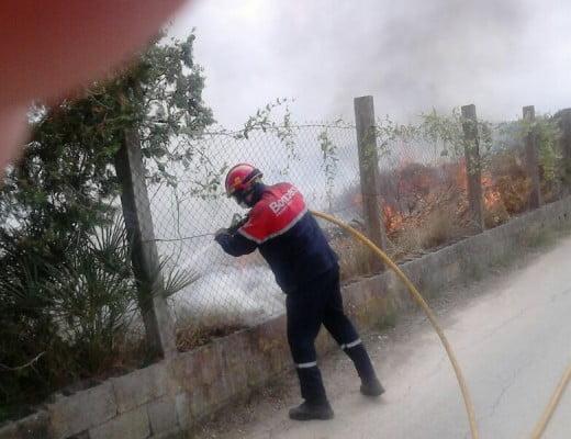 Bombero en el incendio de Jávea