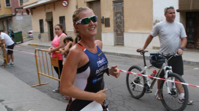 Cristina Roselló en el Triatlón de Antella.