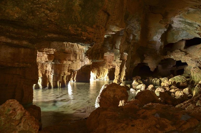 Interior Cova Tallada