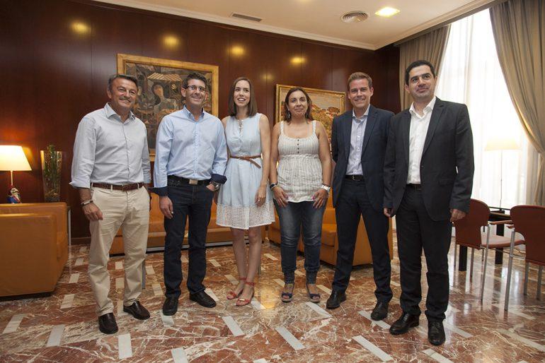 José Chulvi con los alcaldes que conforman la Alianza de la Comarcas Centrales