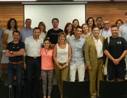 Manuel Jurado con los alumnos de unos de sus cursos