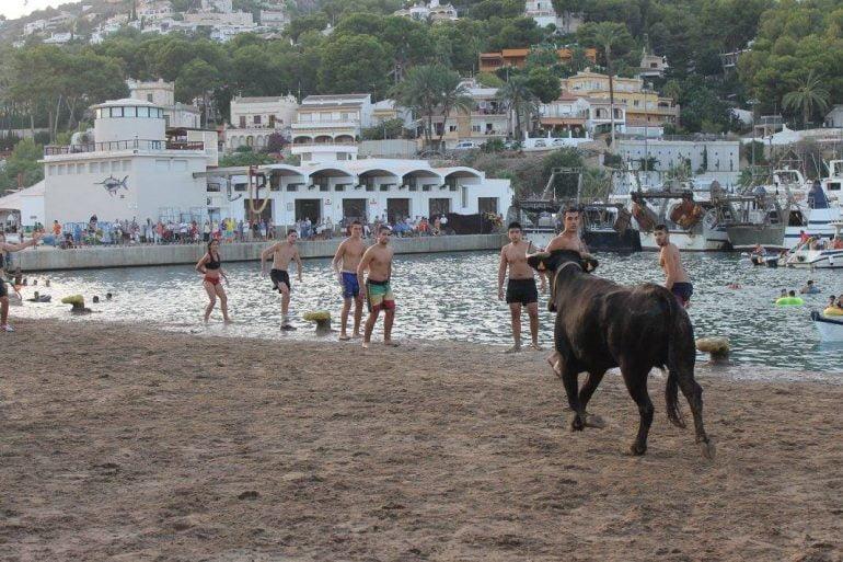 Bous a la Mar en festes del Loreto
