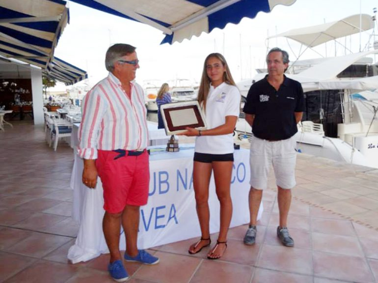El Club Náutico Jávea rindió homenaje a Julia Miñana