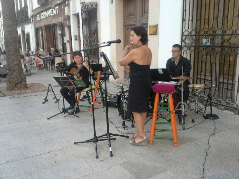 Grupo Folk Jazz Trío