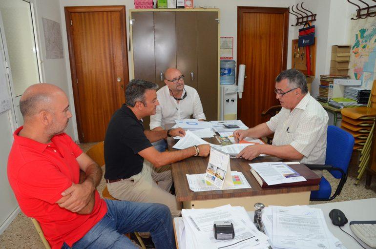 José Chulvi reunido con los regantes de Pedreguer