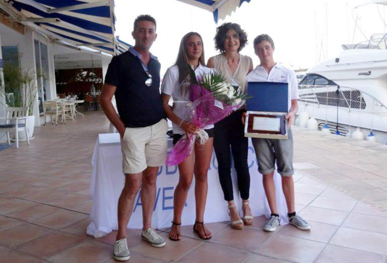 Julia Miñana con su familia