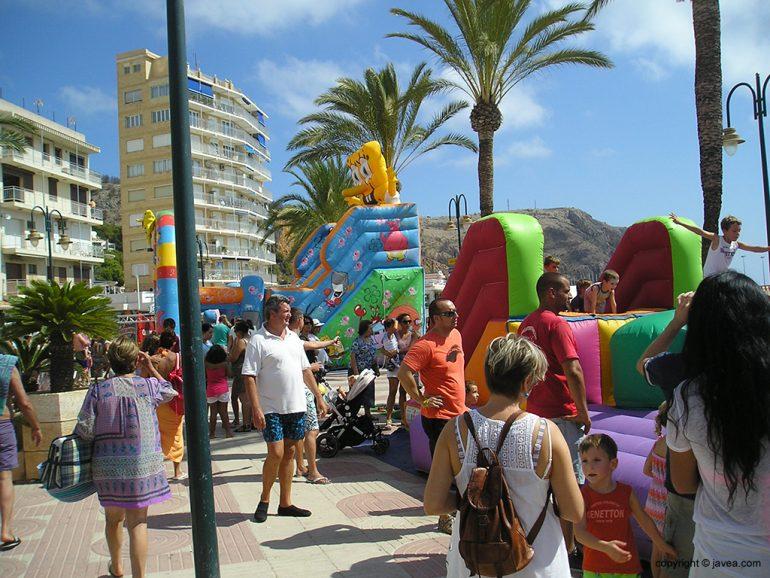 Parque infantil en el paseo Marítimo