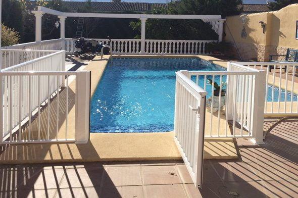 Valla piscina Aluvent