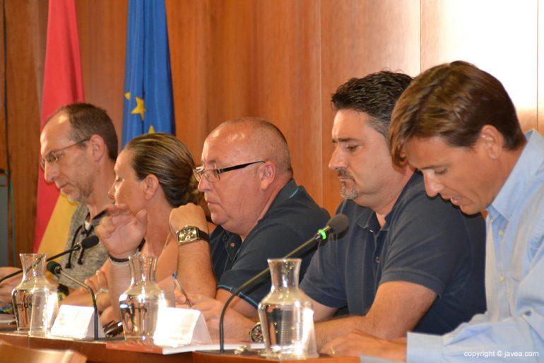 Óscar Antón y Juanlu Cardona de Xàbia Democrática en un pleno