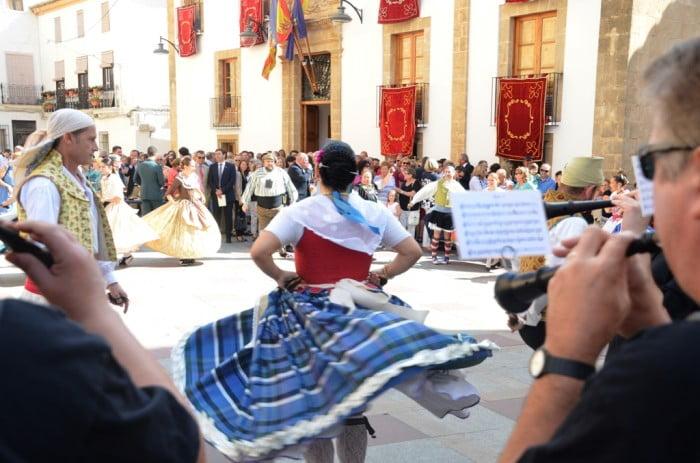 Bailes regionales en la celebración del 9 d`octubre a Xàbia