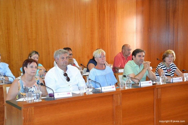 Concejales socialistas en un pleno de Xàbia