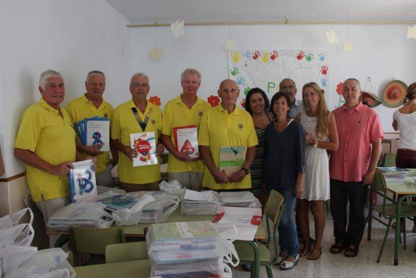 Lions Club dona 1100 euros para la adquisición de libros