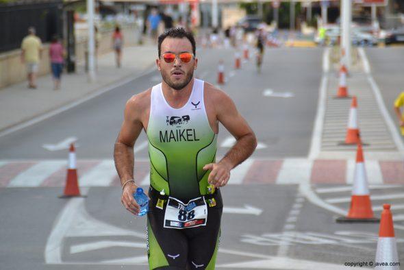 Maikel en plena carrera
