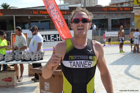 Mark Tanner en línea de meta