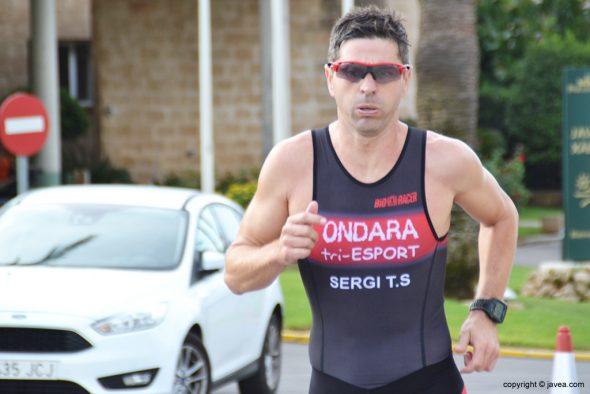 Sergio Torres en el segmento de carrera